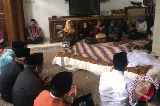 Keluarga siapkan pemakaman Slamet Effendy Yusuf