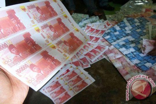 Polisi tangkap ibu rumah tangga pengedar uang palsu