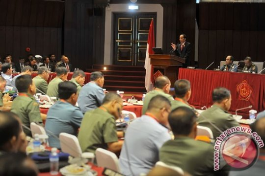 Presiden bicara konstelasi politik-ekonomi di Rapim TNI