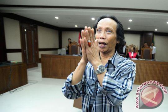 Mandra divonis 1 tahun penjara