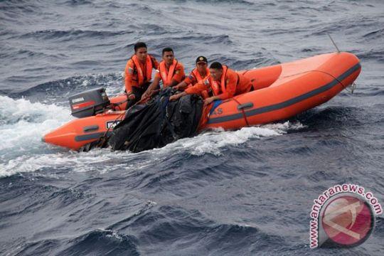 Speedboat bawa lebih 40 orang terbalik, sebagian penumpang hilang