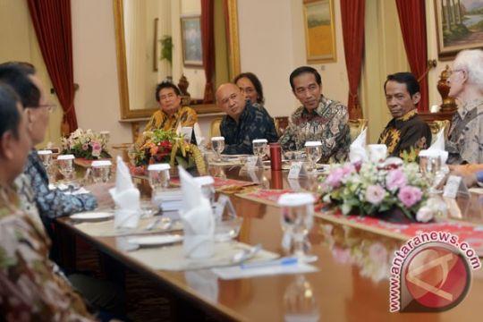 Presiden makan siang bersama cendikiawan dan budayawan