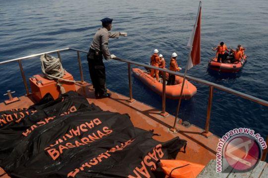 Kolaka siapkan 12 ambulans antar jenazah korban KM Marina