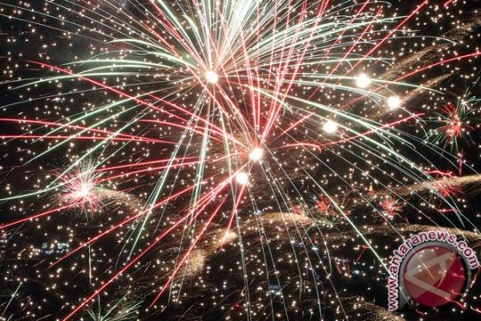 Rayakan Imlek, Wagub Kalbar pesta kembang api