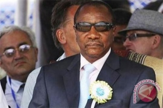 Presiden Guinea umumkan referendum UUD baru