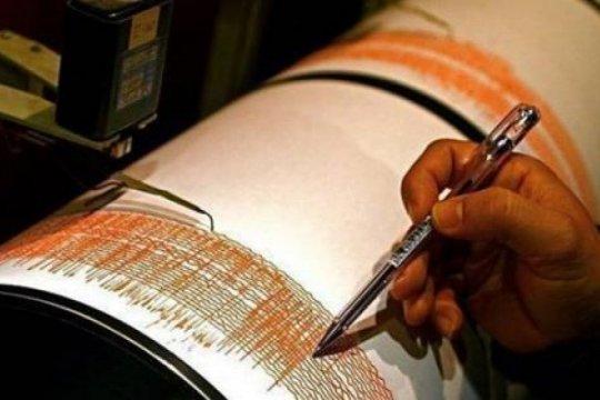 Guncangan gempa cukup kuat dirasakan warga Piru, Pulau Seram