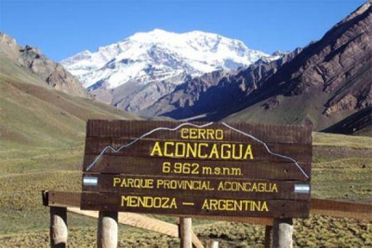 Tim pendaki WISSEMU kibarkan Merah Putih di puncak Aconcagua