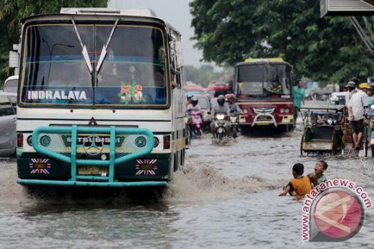 Relawan Walhi Sumsel siaga bencana banjir