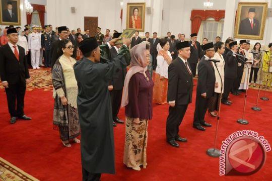 Dihadiri Megawati, Presiden Jokowi lantik 13 duta besar