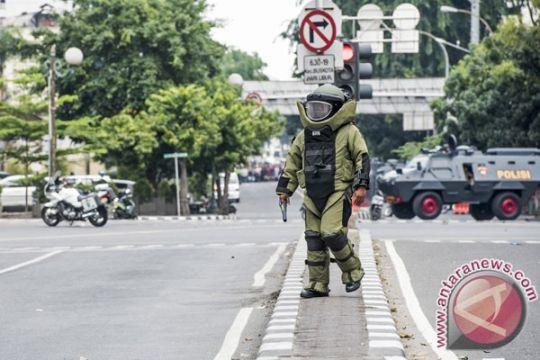 Polisi periksa karyawan terkait benda diduga bom