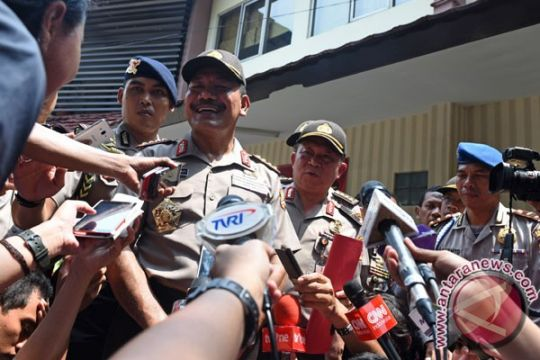 BOM JAKARTA - Kapolri cek kondisi jenazah pelaku teror