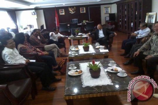 Kala budayawan curhat ke ketua MPR