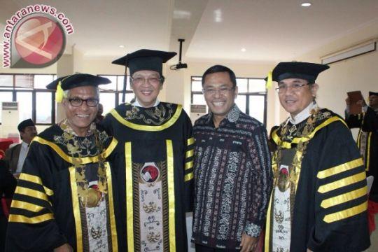 Saleh dan para menteri hadiri penganugerahan doktor pendiri GarudaFood