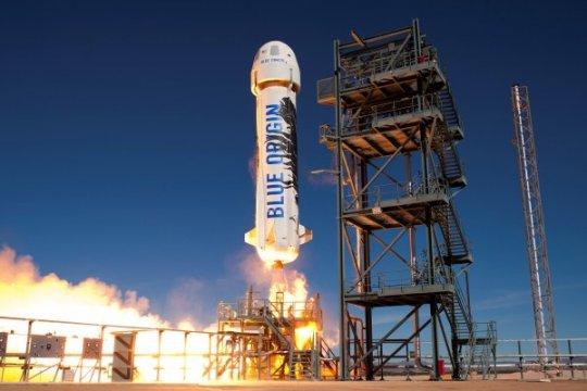 Blue Origin sukses terbangkan kembali roket