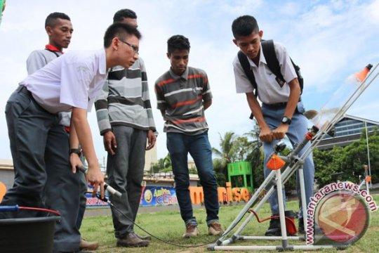Dua pelajar Ambon ukir prestasi kancah internasional