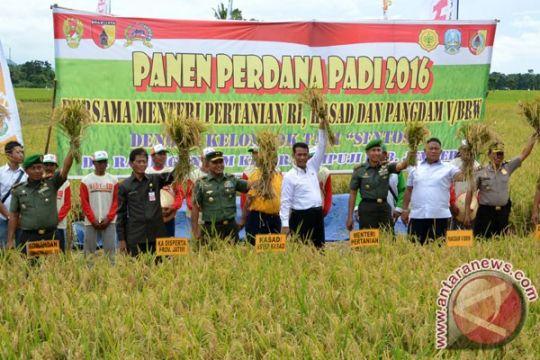 Mentan keliling Jawa Timur pantau harga pertanian