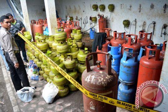 Polisi gerebek lokasi diduga tempat pengoplosan gas bersubsidi