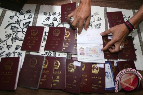 Kantor Imigrasi Karawang deportasi 25 WNA
