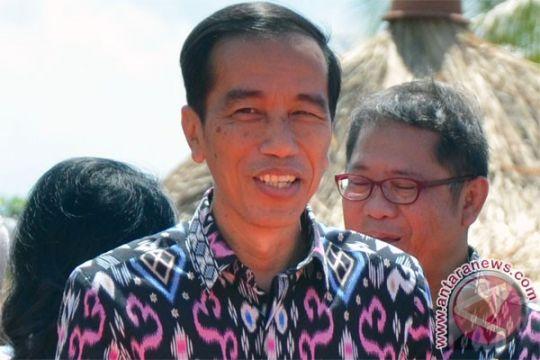 Presiden Jokowi buka bersama dengan pimpinan-anggota MPR