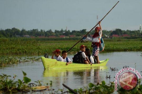 BENCANA BANJIR - Tiga desa di madiun terendam banjir