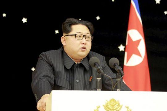 Istri pemimpin Korea Utara ikut saksikan latihan pertempuran udara