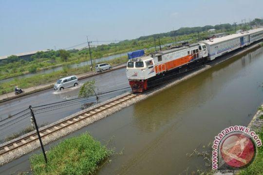 Kereta Daop Jember alami keterlambatan pascabanjir Porong