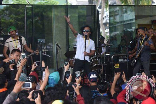 Slank gelar konser dukung penolakan revisi UU KPK