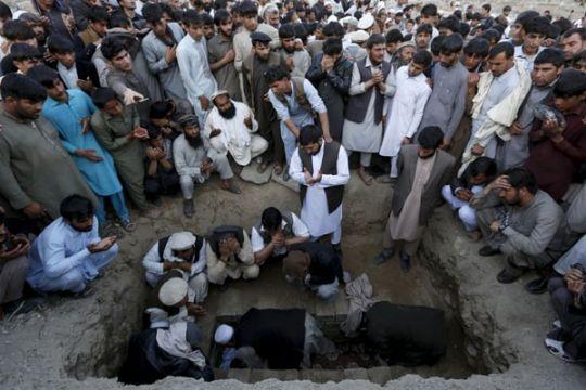 Taliban Pelaku bom bunuh diri serang kantor polisi Afghanistan