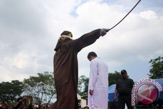 13 pelanggar syariat Islam dicambuk di Aceh
