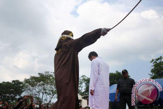 18 pelanggar Qanun dihukum cambuk di Banda Aceh