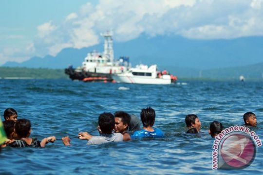 Kapal patroli TNI AL dikerahkan bantu evakuasi kapal tenggelam