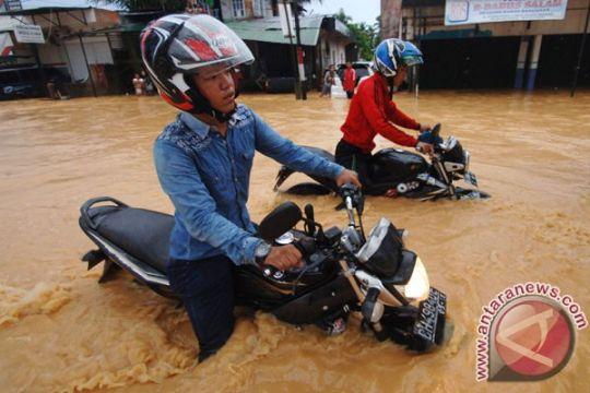 Sebagian wilayah Padang tergenang