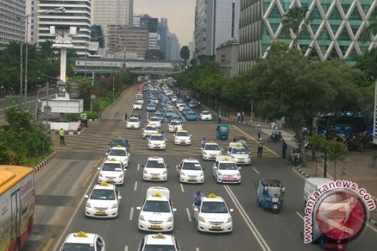 Pemerintah hati-hati tetapkan tarif angkutan berbasis aplikasi daring