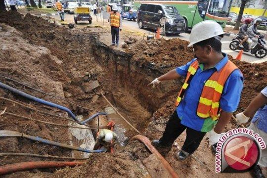 Suplai air sebagian Jakbar terganggu karena pipa Palyja bocor