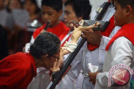 Ratusan polisi dikerahkan untuk jaga Jumat Agung di Makassar