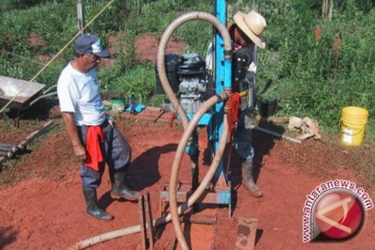 Sumur bor dibangun warga Baturaja untuk penuhi kebutuhan air bersih