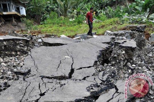 Pergerakan tanah di Desa Kebutuhjurang terus dipantau BPBD Banjarnegara-Jateng