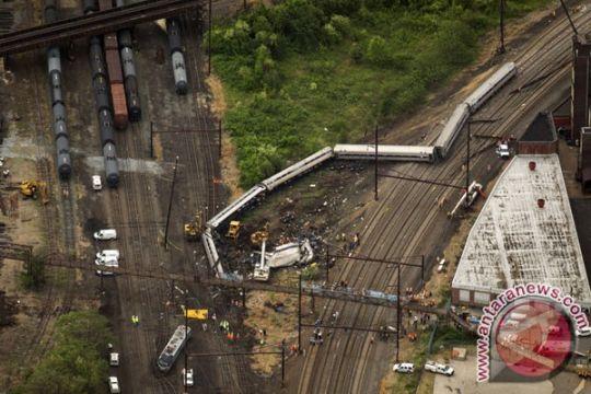 Kereta tergelincir di AS, dua orang tewas