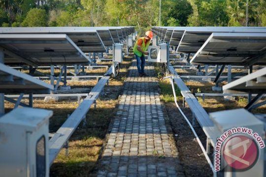 Listrik dua desa di Karimun menyala 24 jam berkat tenaga surya