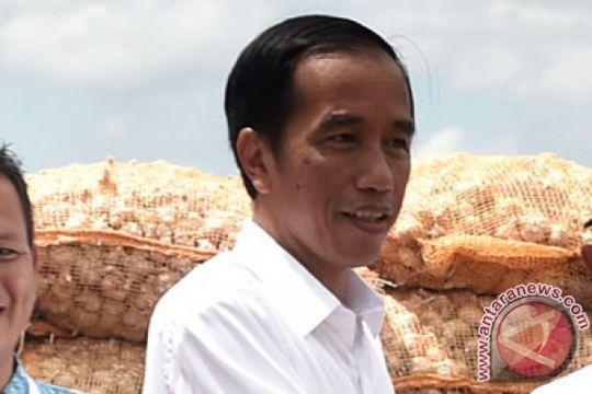 Presiden saksikan penyerahan sembako Ramadhan nelayan