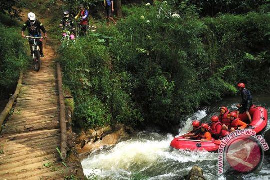 Padangpariaman tawarkan lima paket wisata pertualangan