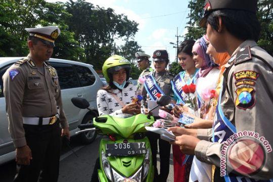 Polwan Situbondo pakai kebaya sambut Hari Kartini