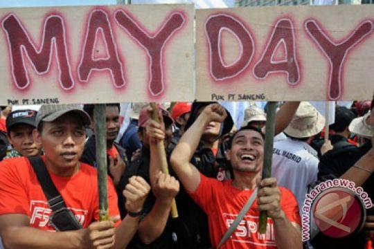 Ribuan buruh gelar aksi damai di Monpera Palembang