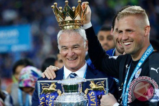 Schmeichel sepakati kontrak lima tahun di Leicester