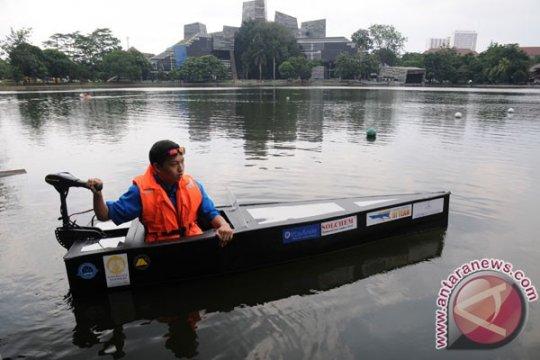 Dosen-mahasiwa UI latih nelayan membuat kapal plat datar