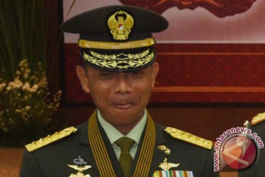 Jenderal TNI Mulyono serahkan bantuan Rp9,5 miliar untuk Palu