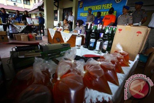 Polisi tahan penjual miras di Solo