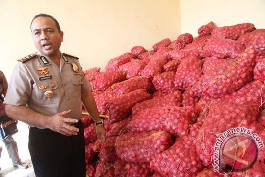 Karantina Entikong musnahkan 8 ton bawang merah ilegal