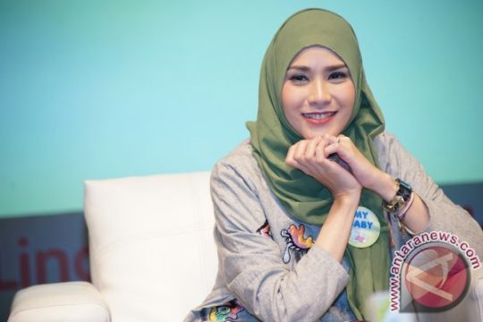 Program asi ekslusif Zaskia Adya Mecca tetap berjalan saat puasa