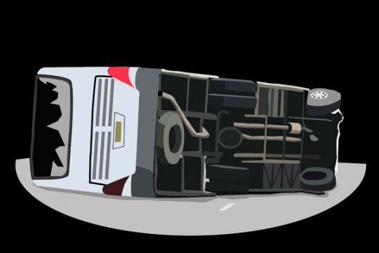 Bus terguling di jalinsum, empat orang luka-luka